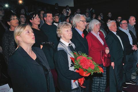 Koncerta sta se udeležili tudi Jagoda in MIlka Kjuder, hčerka in žena ustanovitelja zbora in dolgoletnega dirigenta Oskarja Kjudra