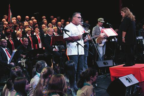 Boris Kobal, ki je v 70. letih pri TPPZ Pinko Tomažič sodeloval kot recitator, je recitiral tudi tokrat