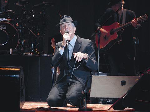 Leonard Cohen je minuli torek v Areni Stožice dokazal, da nima 76 let, ampak 26 let in pol stoletja izkušenj