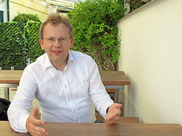 Zgodovinar dr. Andrej Rahten se po štirih veleposlaniških  letih na Dunaju vrača v Slovenijo.