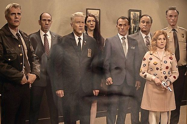 Prizor iz predzadnje epizode Twin Peaksa. Tak izraz na  obrazu je imel najverjetneje marsikateri gledalec po ogledu  zadnjih minut sklepne epizode.