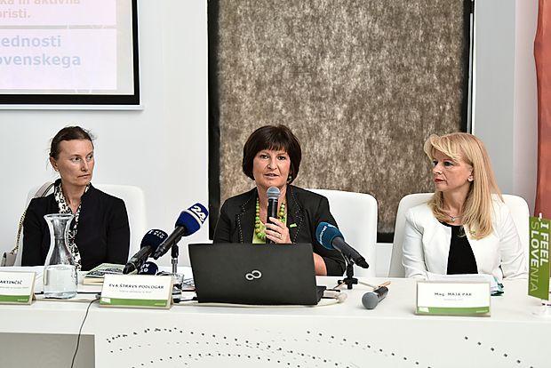 Prve dame slovenskega turizma (z leve): generalna direktorica direktorata za turizerm na MGRT, Eva Štravs  Podlogar, državna sekretarka na istem ministrstvu in Maja  Pak, direktorica Slovenske turistične organizacije.
