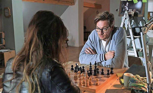 Eno od glavnih vlog v Več po oglasih odigra Primož Bezjak.