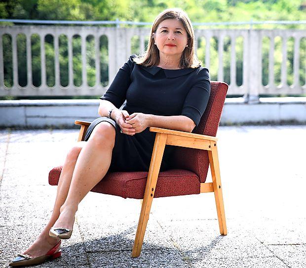 Mirana Likar bralcu prepušča, da skozi roman potuje v svojem redu in ritmu.