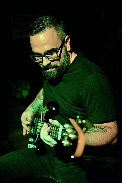 Goran Štefanec, odličen basist z odštekanimi idejami.