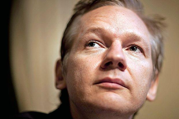 Švedsko tožilstvo je danes zavrglo obtožbe o posilstvu proti  ustanovitelju Wikileaksa Julianu Assangeu in ustavilo preiskavo, ki je trajala sedem let.