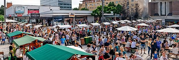 V Novi Gorici bo v sredo, 22. junija, ponovno gostovala  najbolj priljubljena kulinarična tržnica pri nas Odprta kuhna, ki  se v mesto vrtnic vrača po izjemno uspešni majski premieri.