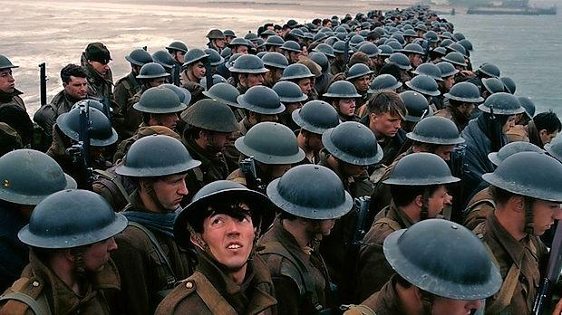 Prizor iz filma Dunkirk v režiji Christopherja Nolana.