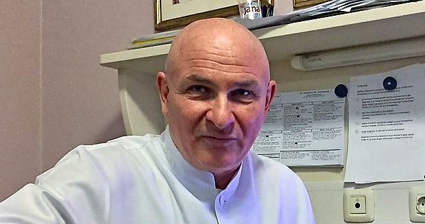 Dr. Milan Ignjatović -Mikandus  je  judoist, pesnik, kantavtor,  rocker, glasbenik, ljubitelj konj  in kardiolog - reanimator v  medicinskem centru Medicor v Izoli.