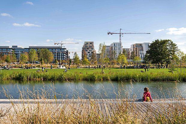 Saint Ouen - Park At the Docks v Parizu ponuja številne  odprte poglede, tudi na razvijajočo se sosesko.