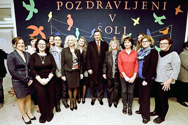 Predsednik republike Borut Pahor se je v soboto zvečer na  Osnovni šoli Košana udeležil dobrodelne prireditve Z glasbo  v jesen.
