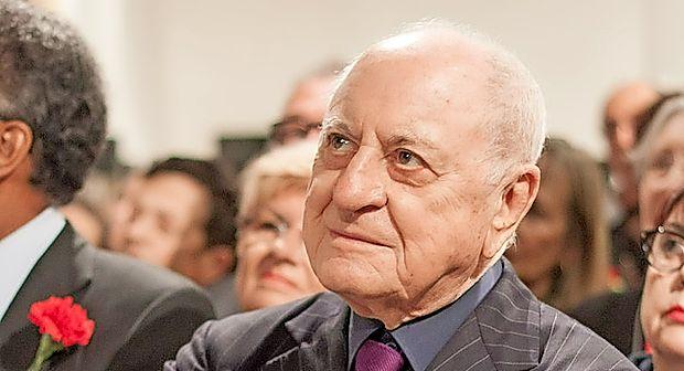 Pierre Berge je bil dolgoletni partner pokojnega modnega  oblikovalca Yvesa Saint Laurenta.