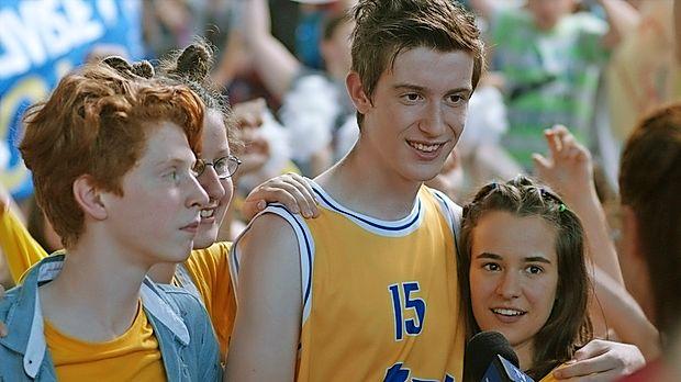 Film Košarkar naj bo je bil zelo dobro sprejet na Festivalu  slovenskega filma, kjer je v torek doživel svojo premiero.
