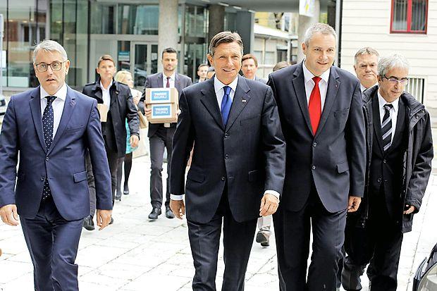 Aktualni predsednik republike Borut Pahor je  vložil kandidaturo  za predsedniške volitve.