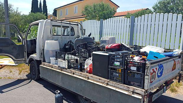 Komunala Izola bo prihodnji teden zbirala nevarne odpadke   iz gospodinjstev s premično zbiralnico.