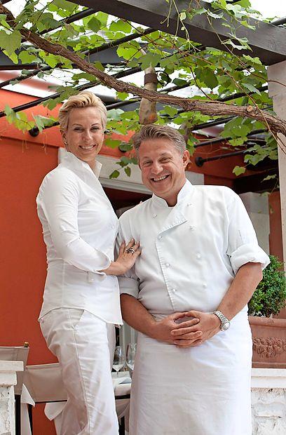 Monte, ki je prejel prvo Michelinovo zvezdico na Hrvaškem, v  središču Rovinja vodita domačin Danijel Dado Đekić in  njegova nizozemska soproga Tjitske.