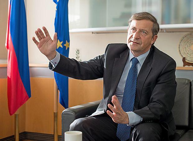 Češkega premierja Bohuslava Sobotko je drugi dan uradnega obiska v Sloveniji gostil zunanji minister Karl Erjavec.