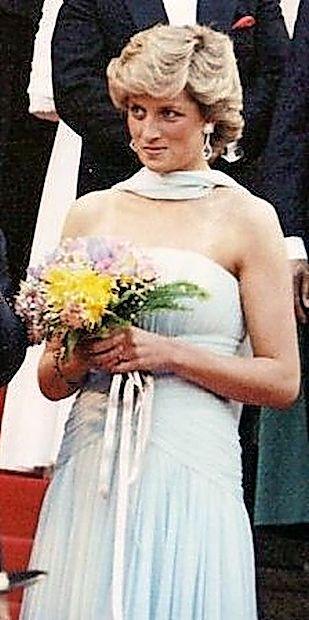 Princesa Diana v Cannesu.