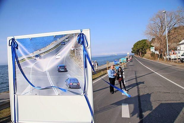 Proslava na Rudi ob zaprtju obalne ceste.