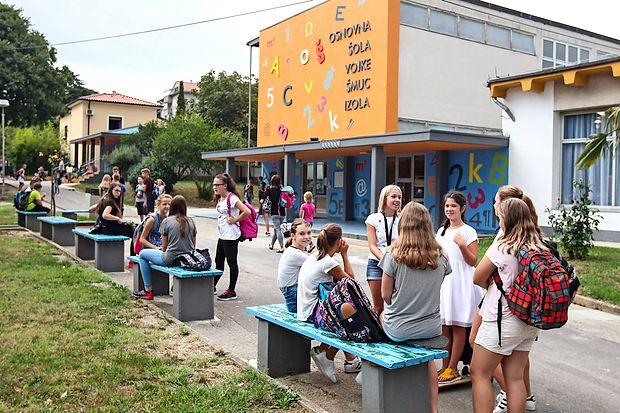 Slovenija je  med državami z največjim krčenjem proračuna za  izobraževanje v obdobju od leta 2010 do leta 2014.