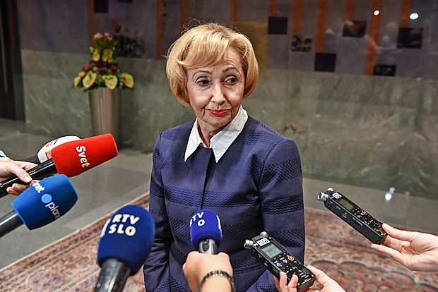 Ministrica za zdravje Milojka Kolar Celarc poudarja, da se z   novelo zakona o zdravstveni dejavnosti za bolnike nič ne  spreminja ter da novela ureja koncesije na zakonit in transparenten način.