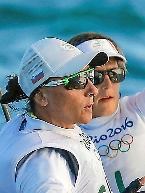 1. Veronika Macarol in Tina Mrak