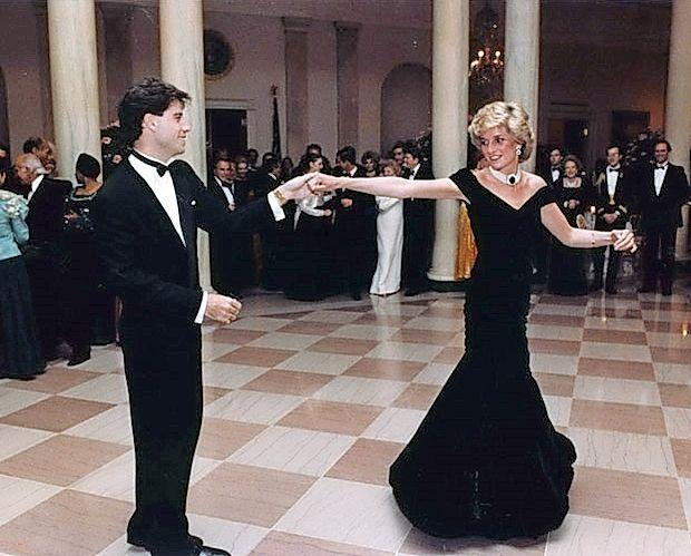 John Travolta in Diana v znameniti obleki.