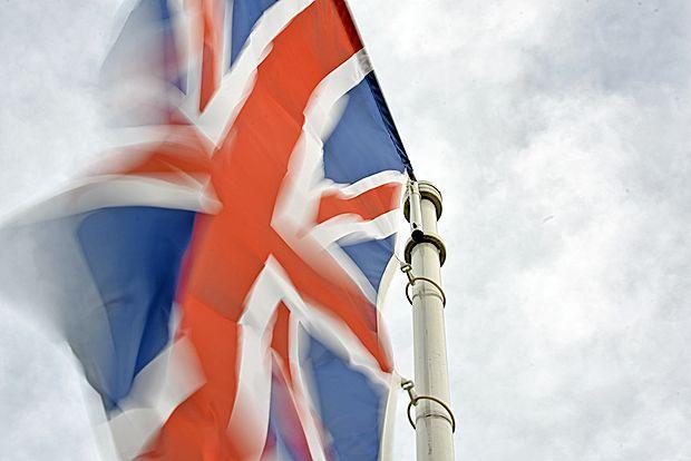 Britanska premierka Theresa May je  za 8. junij napovedala  predčasne splošne volitve v Veliki Britaniji.