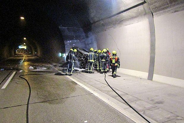 V predoru Kastelec se je zgodila prometna nesreča s smrtnim  izidom.