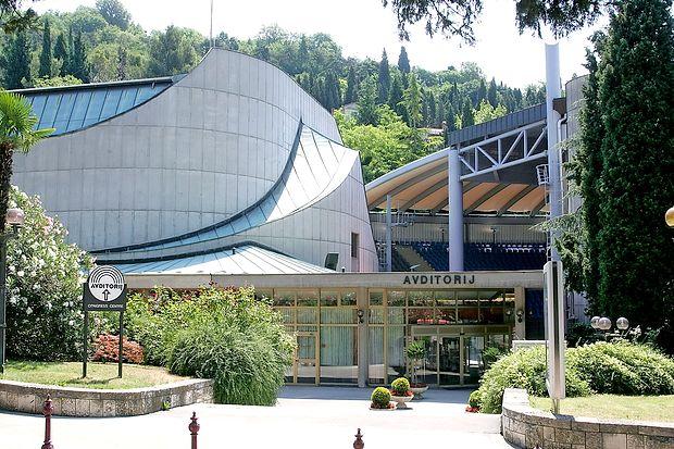 Nagrade bodo podelili 17. septembra v glavni dvorani  Avditorija Portorož.