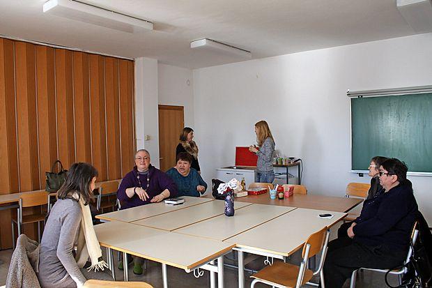 Dnevni center je namenjen druženju, svetovanju, izmenjavi  izkušenj in znanj.