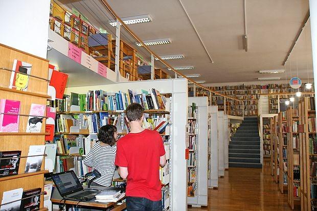V Lavričevi knjižnici bodo s 1.  aprilom usposobili knjigomata,  pred tem bo zaprta.