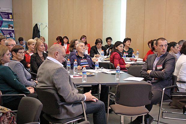 Na 21. nacionalnem andragoškem kolokviju so poudarili  vlogo neformalnega izobraževanja odraslih pri odzivanju in  prilagajanju na družbene in podnebne spremembe.