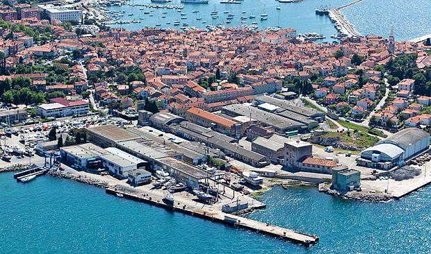Za danes je napovedana dražba 4,2 hektarja velikega območja izolske ladjedelnice. Do včeraj ni varščine vplačal nihče.