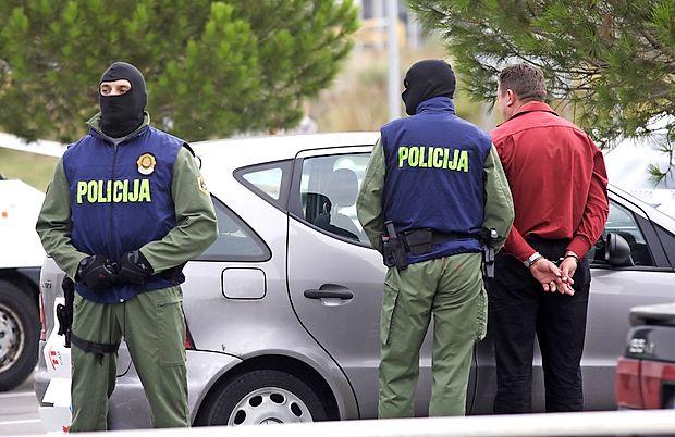 Za uspešen boj proti organiziranemu kriminalu je ključno dobro sodelovanje s tujimi varnostnimi organi.