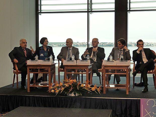 O vlogi sodstva v pravni državi so razpravljali (z leve) Lojze  Ude, Jadranka Sovdat, Damijan Florjančič, Zvonko Fišer, Erik  Kerševan in Matej Avbelj.