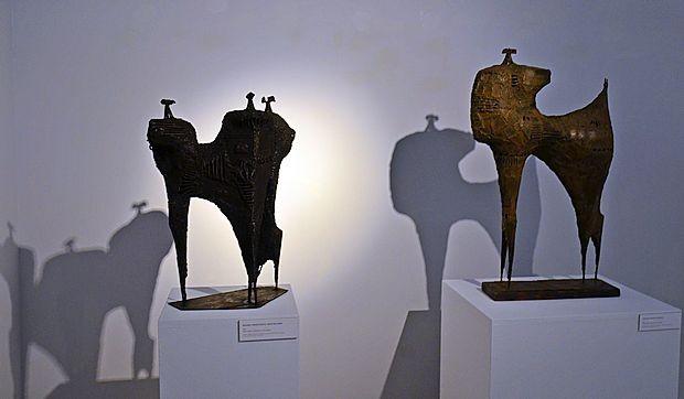 Manj znan del Lapajnetovega opusa  so skulpture. Retrospektivna razstava bo v Mestni galeriji  Piran na ogled do 7. maja.