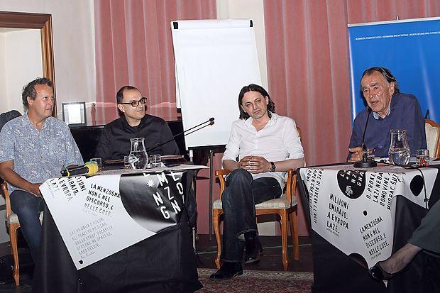 Na koprskem delu simpozija Forum Tomizza  so o laži  spregovorili (z leve) Andreja Blatnik, Marco Apollonio in  Drago Bojić.