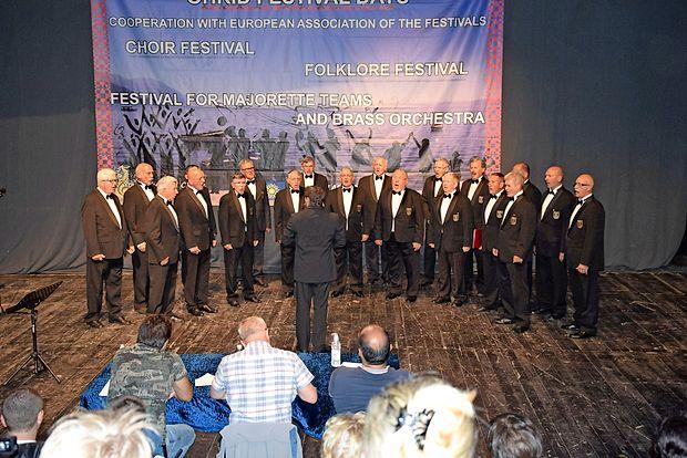 Na mednarodnem pevskem tekmovanju v Makedoniji je  moški pevski zbor Provox sredi avgusta osvojil zlato priznanje.