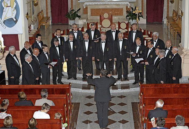 Moški pevski zbor Provox je ob okroglem jubileju aprila lani  priredil sakralni koncert v župnijski cerkvi sv. Danijela v  Dornberku.
