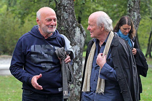 """Srečanja sta se razveselila tudi bibliotekar in pisatelj Boris Jukić (levo) ter sloviti """"tihotapec    besed"""" Ludwig Hartinger."""