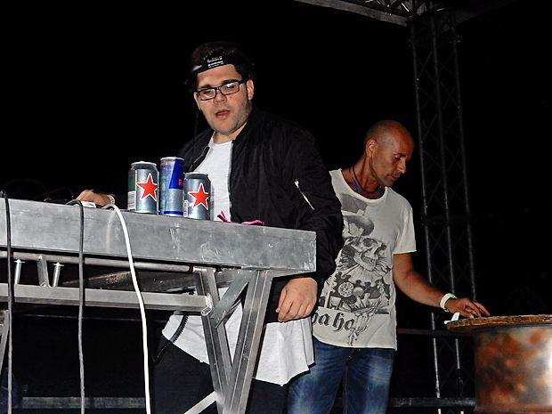 Na dveh festivalskih odrih je glasbo vrtelo kar 50 DJ-jev.