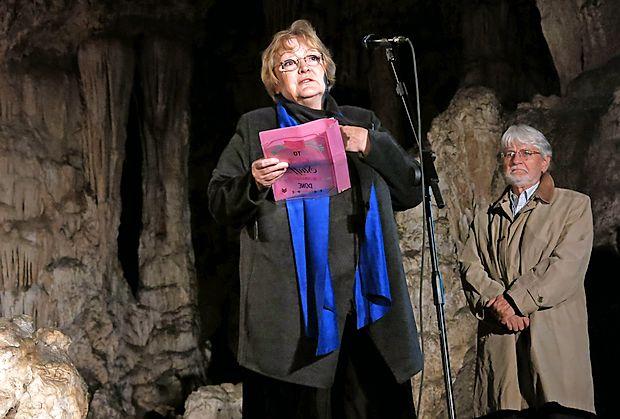 """Dubravka Ugrešić je septembra lani v zahvalnem govoru ob   prejemu nagrade v jami Vilenica med drugim dejala: """"Nepismeni so nas premagali. Vendar to ni težava. Težava je, da  nas je večina to dovolila."""""""
