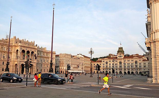 Veliki trg v Trstu bo prihodnjo sredo zaprt zaradi vrha EU in  zahodnega Balkana v vladni palači.