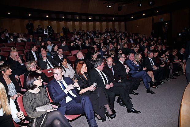 Prizorišče zaključnega večera Osebnosti Primorske 2016 je bil Kosovelov dom, s čimer se je prireditev iz Istre premaknila na Kras.