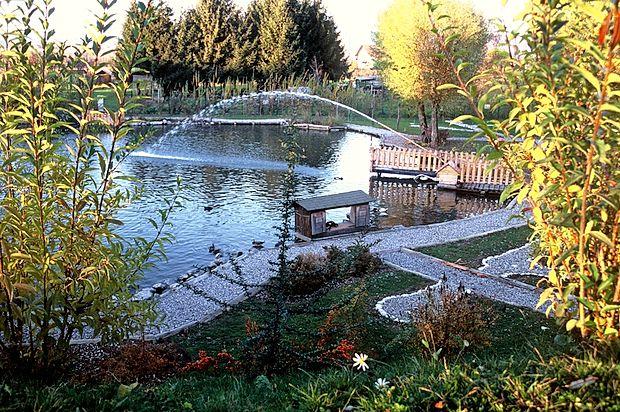 Bio park Nivo je prijeten in lepo urejen park s številnimi  energijskimi točkami, ki naše telo napolnijo z energijo.