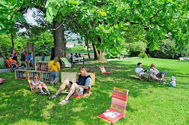 Ljubljana je mesto, ki se ponaša z odlično ohranjenimi  zelenimi površinami in številnimi prijetnimi zelenimi kotički  celo v samem središču mesta.