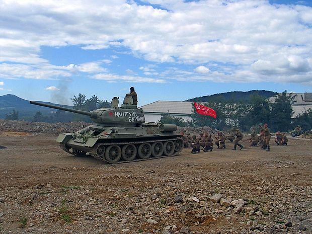 Rdeča armada je osvobodila Berlin - včeraj v Pivki, pred 70  leti pa v resničnosti.