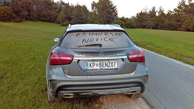 Seveda smo si ga privoščili tudi na prašnih cestah v okolici  Postojne. Tu je dokaz.
