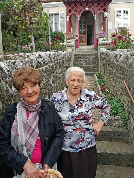 Itala Markežič (levo) in Gabriella Micheluzzi, stanovalki ulice Scala santa   lea kalc furlanič
